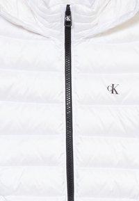 Calvin Klein Jeans - FITTED LIGHT JACKET - Gewatteerde jas - white - 4