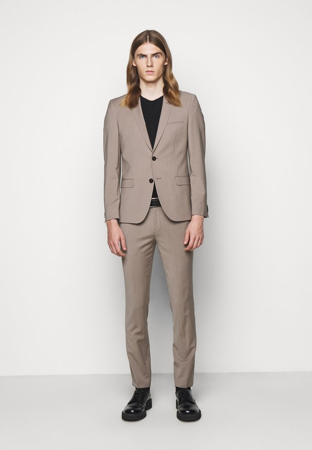ARTI HESTEN - Anzug - light beige