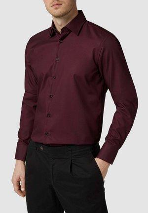 REGULAR FIT - Formal shirt - dunkelrot