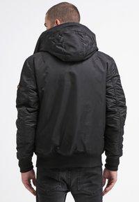 Alpha Industries - HOODED STANDART FIT - Light jacket - black - 2