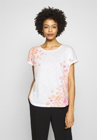 TOM TAILOR - SLUB PLACED PRINT - T-shirt z nadrukiem - whisper white - 0