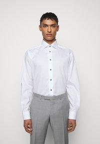 Eton - CONTEMPORARY FINE STRIPES WEAVE  - Formal shirt - white - 0