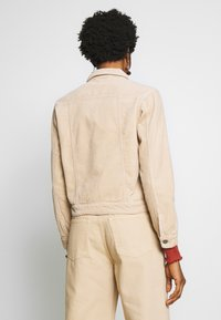 JDY - JDYKIRAZ JACKET  - Summer jacket - light brown