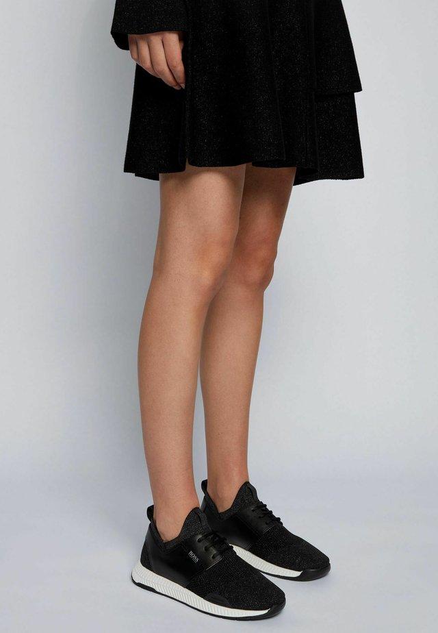 TITANIUM - Sneakers laag - black