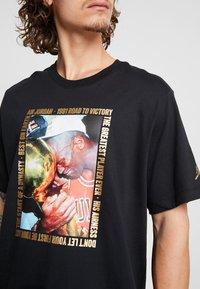 Jordan - CREW - Print T-shirt - black - 4