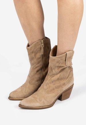 Cowboy/biker ankle boot - gazzella