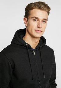 CELIO - MEBELVEST - Zip-up hoodie - black - 4