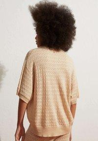 OYSHO - Polo shirt - beige - 2