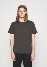 Filippa K - TEE - Basic T-shirt - dark mole - 0