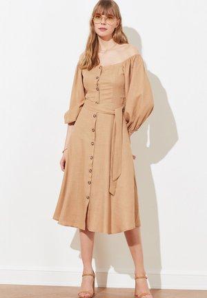 TWOSS19IE0009 - Robe d'été - brown