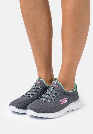 SUMMITS - Sneakers laag - charcoal/ green/pink