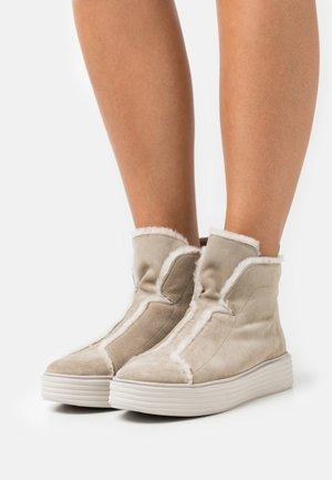 Boots à talons - biscuit