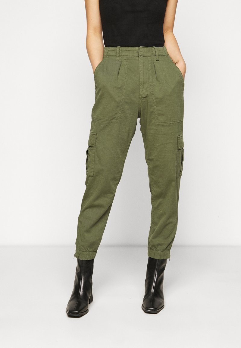 GAP Petite - CARGO UTILITY JOGGER - Cargo trousers - olive