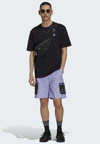 adidas Originals - Shorts - purple - 1