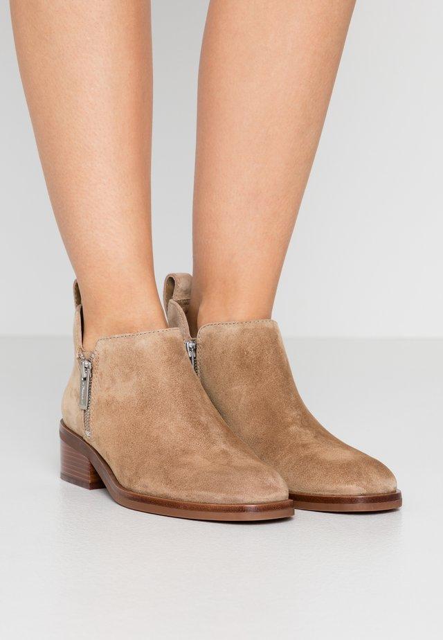 ALEXA - Ankle boot - tobacco