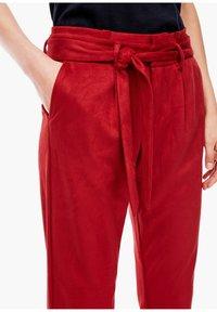 s.Oliver - Pantalon classique - dark red - 4