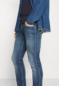 Replay - ANBASS - Slim fit jeans - medium blue - 3