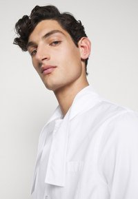 N°21 - CAMICIA - Shirt - bianco ottico - 5