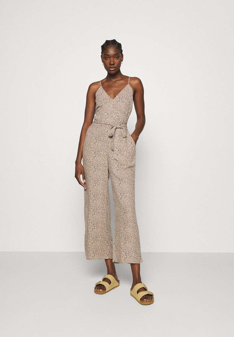 Abercrombie & Fitch - SMOCKED BODICE  - Jumpsuit - brown