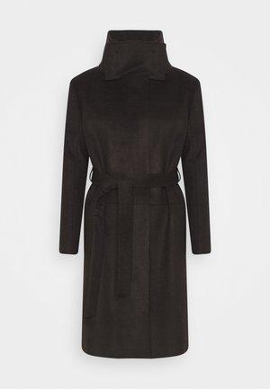 CORI - Klasický kabát - dark chokolate