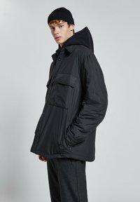 PULL&BEAR - Light jacket - black - 3