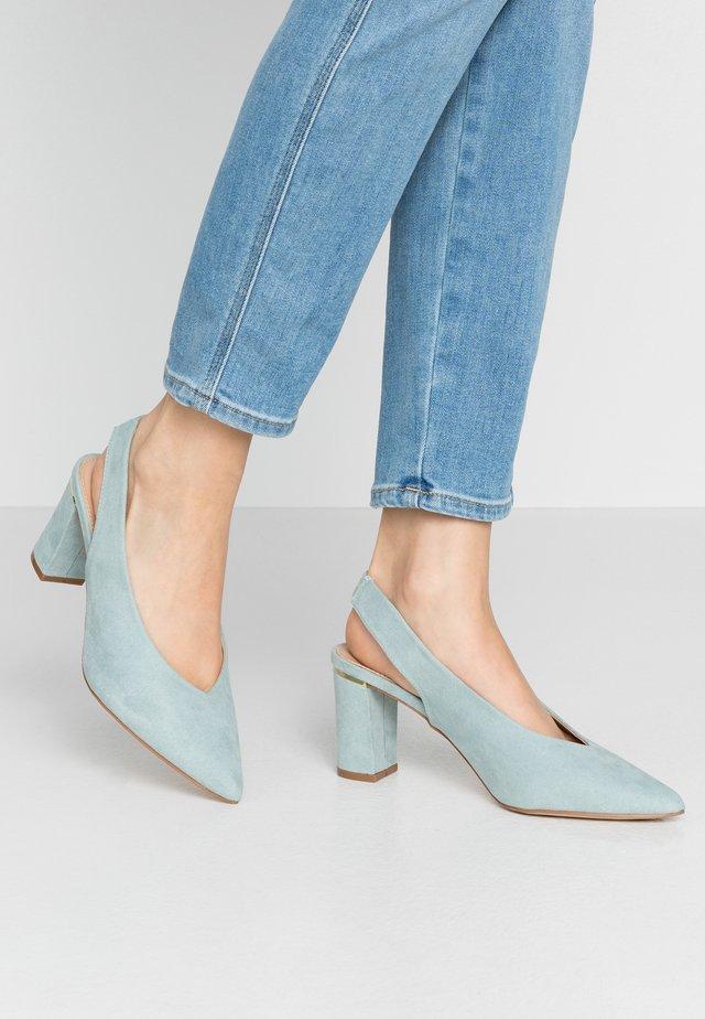 EMILY BLOCK HEEL SLINGBACK COURT - Classic heels - green