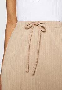 Fashion Union - BRYONY  - Pouzdrová sukně - beige - 5