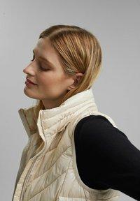 Esprit - MIT 3M™ THINSULATE™ - Waistcoat - cream beige - 4