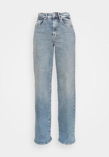 ONLHOPEEX HIGH WIDE LEG - Jeans baggy - light blue denim