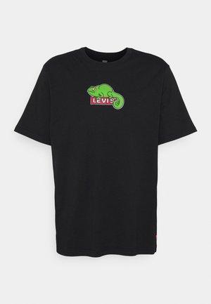 RELAXED FIT TEE - Camiseta estampada - caviar