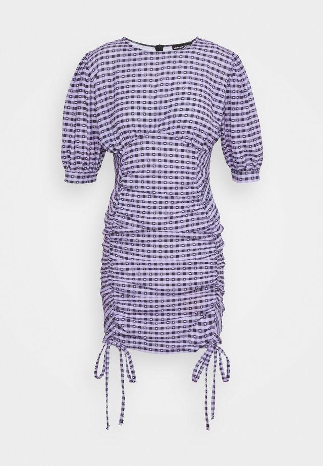 GINGHAM RUCHED MINI DRESS - Shift dress - purple