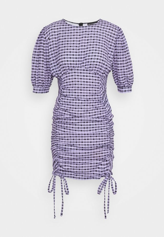 GINGHAM RUCHED MINI DRESS - Etuikjoler - purple