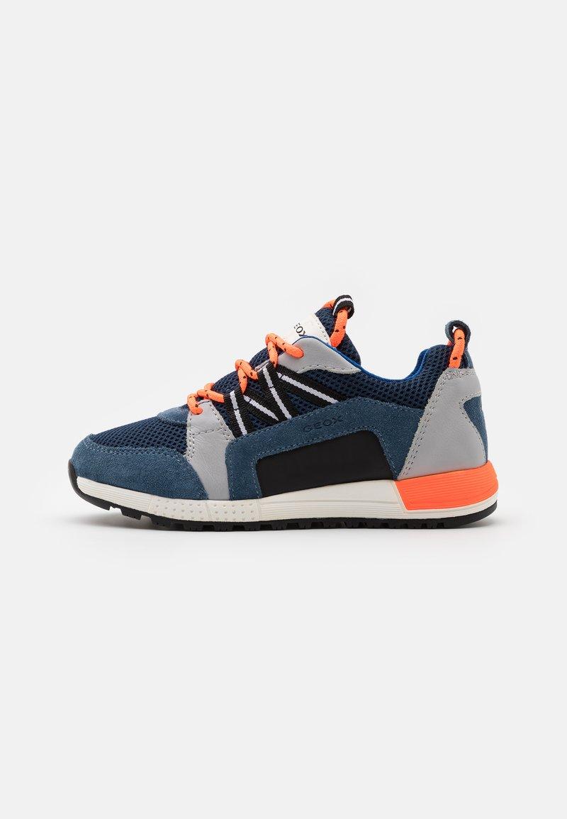 Geox - ALBEN BOY - Sneakers laag - avio/grey