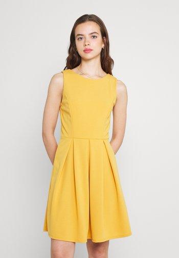 DOMI SKATER DRESS - Jersey dress - mango
