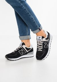 New Balance - WL574 - Sneakersy niskie - black - 0