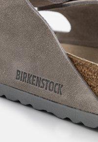 Birkenstock - ARIZONA SOFT FOOTBED UNISEX - Slippers - stone coin - 5