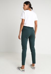 ONLY - POPTRASH EASY COLOUR  - Tracksuit bottoms - green gables - 2