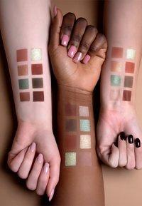 Luvia Cosmetics - HIDDEN FOREST - Eyeshadow palette - - - 5