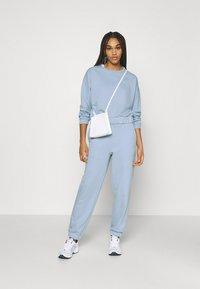 Pieces - PCCOOLIO - Sweatshirt - kentucky blue - 1