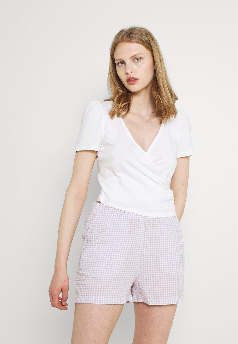 Monki - TELMA - Print T-shirt - white