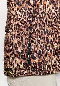 DC Shoes - DIVA JACKET - Snowboard jacket - leopard_fade - 4
