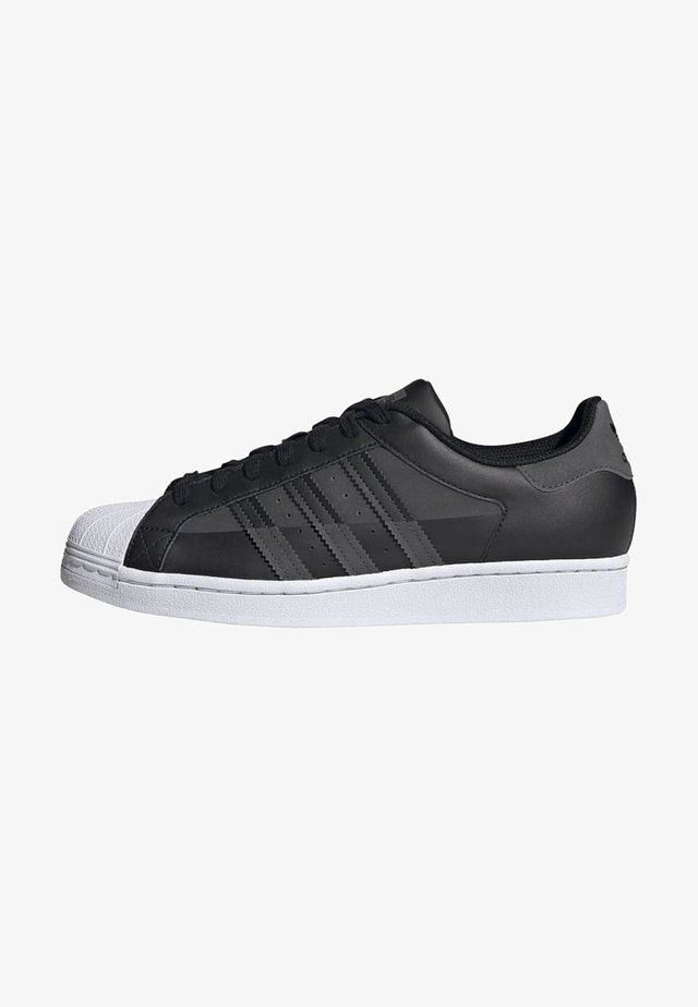 SUPERSTAR SHOES - Sneakers laag - black