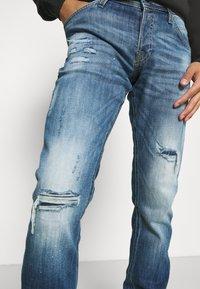 Jack & Jones - JJIGLENN JJFOX - Jeans Tapered Fit - blue denim - 3