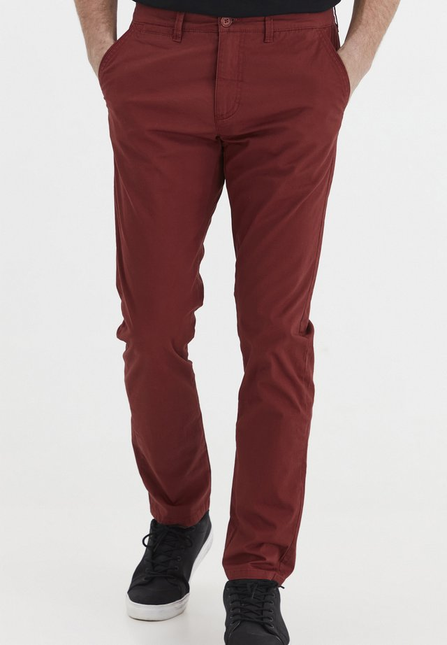 KILLIAN - Chinos - brick red