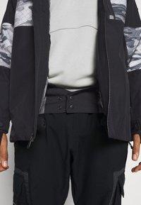 Quiksilver - TAMARACK - Snowboard jacket - true black - 4