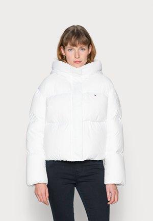 PUFFER JACKET - Down jacket - white