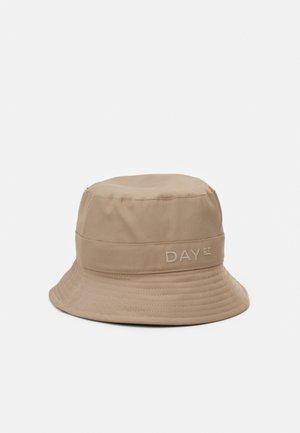 SUMMER BUCKET HAT - Hat - desert taupe