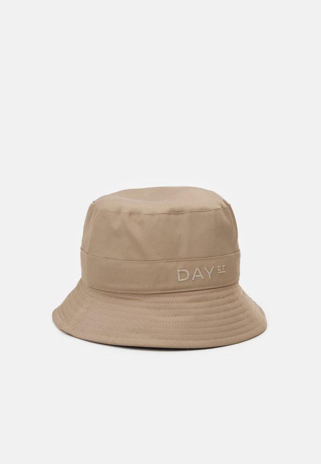 SUMMER BUCKET HAT - Hoed - desert taupe