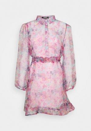 SHIRT DRESS FLORAL - Košilové šaty - pink