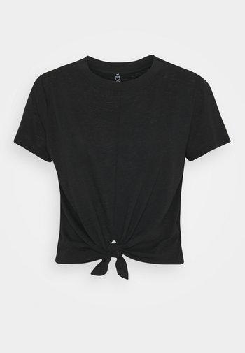 LIFESTYLE TIE UP - T-shirts - black